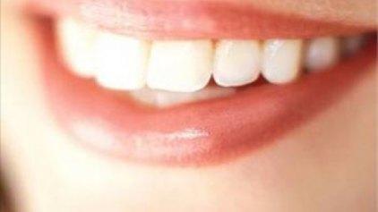 Αν δεν βουρτσίζετε τα δόντια σας, κινδυνεύετε από άνοια και Αλτσχάιμερ !