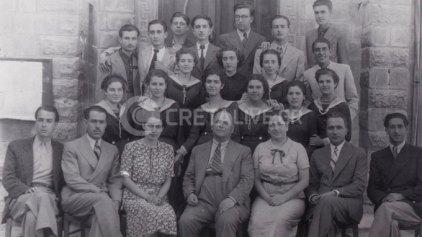 """Οι μαθητές κι οι καθηγητές του """"Κοραή"""" πριν τον πόλεμο"""