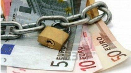 Ένας στους τρεις Έλληνες χρωστάει στο Δημόσιο