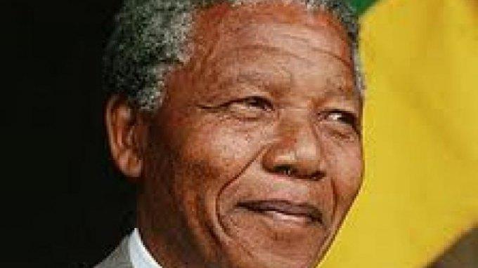 Βελτιώνεται η υγεία του Μαντέλα