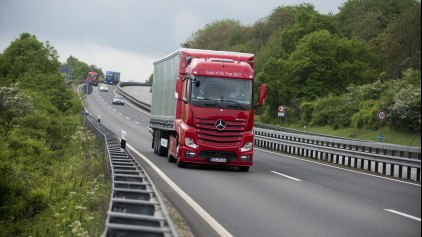 """""""Παγίδες"""" θανάτου στους δρόμους τα επικίνδυνα οχήματα μεταφοράς πυρήνα!"""