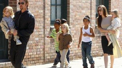 12 νταντάδες για τα παιδιά του ζεύγους Jolie-Pitt!