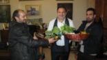 Ένα καλάθι με βιολογικά προϊόντα για το δήμαρχο