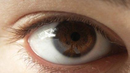 'Αξιοι εμπιστοσύνης όσοι έχουν... καστανά μάτια