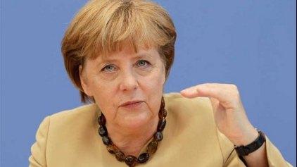Μέρκελ: Δεν διαπραγματευόμαστε τίποτα πριν το δημοψήφισμα