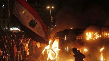 'Ενας νεκρός από τις διαδηλώσεις - Γεμάτη και πάλι η πλατεία Ταχρίρ