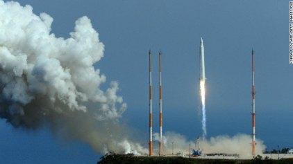 Η Νότια Κορέα εκτόξευσε επιτυχώς πύραυλο στο διάστημα