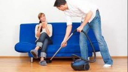 Περισσότερο σεξ για τους άντρες που δεν κάνουν δουλειές του σπιτιού