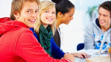 Είναι κοινωνικά αδιάφοροι οι νέοι μας;