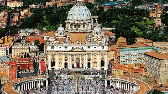 Νέος Υπουργός Εξωτερικών στο Βατικανό