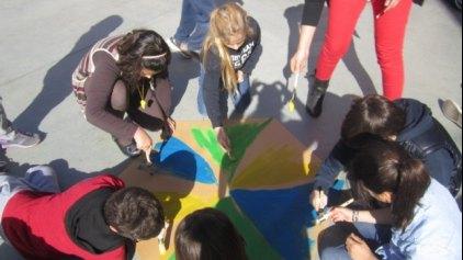 Οι μαθητές του Ζαννείου Εκπαιδευτηρίου «Στέλνουν μήνυμα με ένα χαρταετό»!