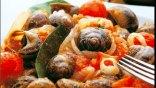 Στο εξωτερικό υιοθετούν τη μεσογειακή δίαιτα, στην Ελλάδα ... ψηφίζουν fast food!