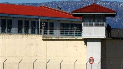Βαρύς οπλισμός για την ενίσχυση της εξωτερικής φρουράς των φυλακών