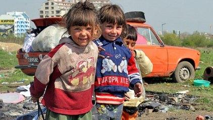 Οι γιατροί του Πανεπιστημίου των Ορέων κοντά στα παιδιά Ρομά