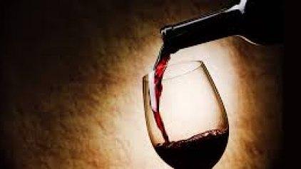 Δεν θα πιστέψετε σε ποιο μέρος του κόσμου πίνουν το περισσότερο κρασί ετησίως!