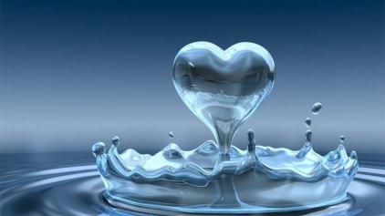 Τελικά το νερό παχαίνει; Και αν ναι πότε