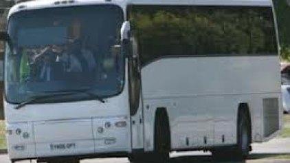 Ξεκινά η επαναπρόσληψη οδηγών τουριστικών λεωφορείων