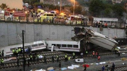 Είχε τερματίσει το γκάζι και μιλούσε στο τηλέφωνο ο οδηγός του μοιραίου τρένου στην Ισπανία