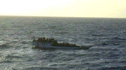 Στους 24 οι νεκροί από τη βύθιση πλοιαρίου στο Τσανάκαλε
