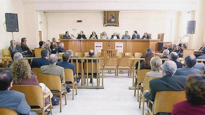 Οι δικαστικοί υπάλληλοι προσπαθούν να «μπλοκάρουν» τις μετατάξεις στο Δημόσιο